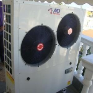 Αντλία θερμότητας χαμηλών θερμοκρασιών 13 KW συνδεδεμένη σε σώματα καλοριφέρ στην Κατερίνη (Aντώνης Μπάσδρας)