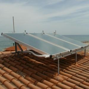 Παραγωγή ζεστών νερών χρήσης με επιλεκτικούς συλλέκτες σε ενοικιαζόμενα δωμάτια στου Νέους Πόρους Πιερίας